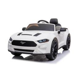 Samochód elektryczny do driftu Ford Mustang 24V, biały, koła Smooth Drift, silniki: 2 x 25000 obr./min, tryb Drift przy 13 km / h, akumulator 24 V, światła LED, przednie koła EVA, pilot 2,4 GHz, miękkie siedzenie PU, licencja ORYGINALNA
